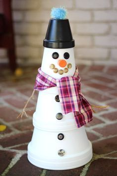 Clay pot snowman! Such a cute holiday decoration!