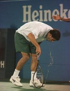 Pete Sampras leaves it all on the court (literally) at the US Open against Alex Corretja