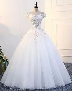 2018 Long Sleeve Gold Prom Dresses,Long Evening Dresses,Prom Dresses On Sale Want a glamorous red carpet look for a fraction of the price?