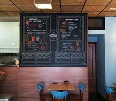 Pizarra mural para la Cafetería Restaurante Dos Balcones