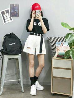 Look at this Fashionable korean street fashion 7940771036 Korean Fashion Trends, Korean Street Fashion, Korea Fashion, Asian Fashion, Look Fashion, First Date Outfits, Girl Outfits, Casual Outfits, Fashion Outfits