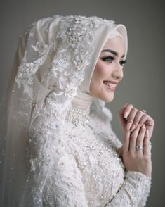 Muslim Wedding Gown, Kebaya Wedding, Muslimah Wedding Dress, Muslim Wedding Dresses, Muslim Brides, Elegant Wedding Dress, Dream Wedding Dresses, Bridal Dresses, Wedding Hijab Styles