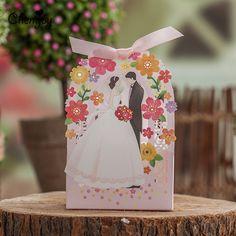 50 pcs/lote mariée et le marié Laser Cut Wedding Favor boîtes bonbons boîte cadeau de mariage pour les hôtes parti Party Decoration fournitures