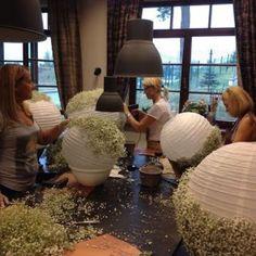 Smarty way to create light weight babies breath balls! Smarty way to create light weight babies breath balls! Diy Wedding, Wedding Events, Wedding Reception, Rustic Wedding, Wedding Flowers, Dream Wedding, Weddings, Wedding Ideas, Wedding Bells