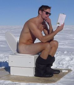 Alexander Skarsgard Goes Naked at the South Pole! (Photo): Photo Alexander Skarsgard goes butt naked while reading a book outside on a toilet at the South Pole in this hot (and at the same time super cold) new photo! The photo… Skarsgard Family, Skarsgard Brothers, Alex Pics, Star Of The Day, Interview, Mtv Movie Awards, Alexander Skarsgard, Good Looking Men, Brad Pitt