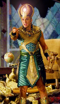 Hank Azaria in Night at the Museum: Battle of the Smithsonian Ancient Egyptian Clothing, Ancient Egyptian Costume, Egyptian Party, Egyptian Fashion, Egyptian Wedding, Night At The Museum, Egyptian Goddess, Actrices Hollywood, Movie Costumes