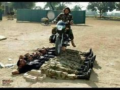 SSG Comandos Pakistan Army training Must see Pak Army Quotes, Air Force Fighter Jets, Pak Army Soldiers, Pakistan Armed Forces, The Few The Proud, Best Army, C Ops, Pakistan Army, Military Training