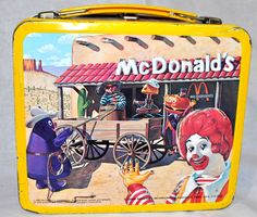 mcdonalds metal box with thermos . Retro Lunch Boxes, Lunch Box Thermos, Cool Lunch Boxes, Metal Lunch Box, Metal Box, Just Lunch, Out To Lunch, Lunch Time, Lunch Box Image