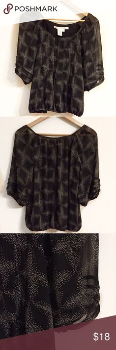 """Max Studio Blouse XS Max Studio blouse in black with a white and plum print.  Full 3/4 length sleeves with elastic cuffs.  Armpit to armpit 16"""" approx.  Length 22.5"""" Max Studio Tops Blouses"""