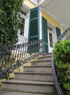 Walking through the French Quarter you'll see some buildings that just don't seem to fit, one example is the Beauregard-Keyes house http://mikestravelguide.com/things-to-do-in-new-orleans-visit-the-beauregard-keyes-house/ #nola #Architecture