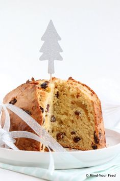 Italiaanse panettone (kerstbrood) - Mind Your Feed Cooking Bread, Mint Tea, Xmas, Christmas, Vanilla Cake, Bread Recipes, Wedding Cakes, Food And Drink, Easter