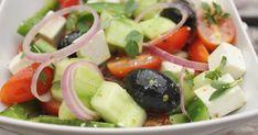 Griechischer Bauernsalat, original wie in Griechenland, ideal als Hauptgericht oder als Salatbeilage zum Grillen oder mit Zaziki einfach nur so. Und hier ist das Rezept http://wolkenfeeskuechenwerkstatt.blogspot.com/2012/06/griechischer-bauernsalat.html