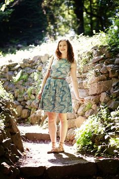 a robot heart: Won't you meet me at the gates of the garden Dress Skirt, Midi Skirt, Simple Style, My Style, Spring Fashion Outfits, Dress With Cardigan, I Love Fashion, Vintage Inspired, Style Inspiration