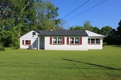 Exterior (Main) for 1950 Main St Goshen Twp., OH 45122  asking 119,900;Sold On: 9/29/2017 for $112,200