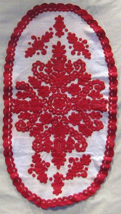 Christine Brown on Romanian Textiles: Part The Pieces Brought In…and a Few Contemporary Decorative Art, Textiles, Naive Art, Flower Art, Folk Art, Needlework, Embroidery, Traditional, Sewing