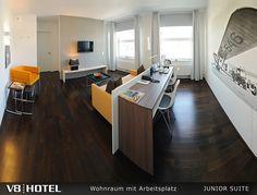 V8 Hotel: Junior-Suite