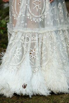 Avalon dress robe de mari e mariage de style elfique for Alexander mcqueen robe de mariage