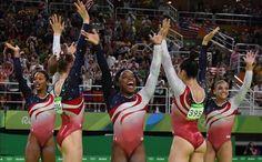 Biles guía a Estados Unidos al oro por equipos - http://www.vistoenlosperiodicos.com/biles-guia-a-estados-unidos-al-oro-por-equipos/