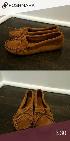 Minnetonka moccasins Gently worn Minnetonka Shoes Moccasins