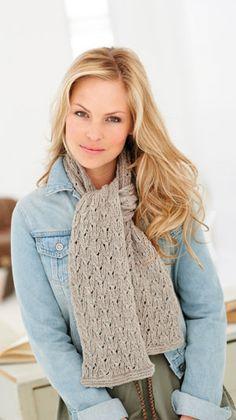 En kort strikkeopskrift på et dejligt halstørklæde til dig der mangler et lille hyggeprojekt. Vælg en flot mørk efterårsfarve eller det grå garn som vi har brugt.