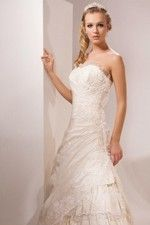This wonderful Wedding Dresses Brand Tiered With Strapless  neckline And Delicate Lace Motif Detail Wedding Dress This beatiful cheap wedding dresses use the Taffeta , Lace material, the front Strapless neckline compose this elegant and charming dress.A-Lineoutline match with your unique and sexy appeal. Dressaler.com offer you the best empire wedding dresses There must be one for you. - $182.69