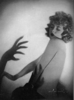 Studio Manasse c.1920s.   taken from Divas & Lovers, photographic fantasies from Vienna between the Wars