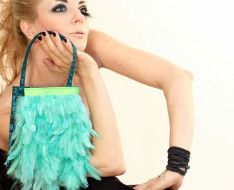 STERNENTAU #handmade #bags #feather bag Fur Bag, Handmade Bags, Austria, Feather, Fashion, Moda, Handmade Purses, La Mode, Feathers