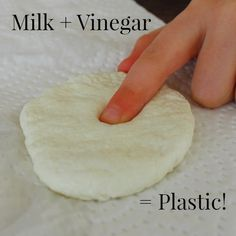 Turn milk into plastic with vinegar! Such a cool science exp-Turn milk into plastic with vinegar! Such a cool science experiment for kids, pr… Turn milk into plastic with vinegar! Such a cool science experiment for kids, preschoolers and adults too - Science Week, Science Projects For Kids, Easy Science Experiments, Science For Kids, Science Experiments For Preschoolers, Science Fun, Science Party, Kindergarten Science Experiments, Milk Science Experiment