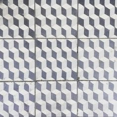Another one to add to my tile collection this one I spotted when waking past the @sweatybetty store in Islington. The pattern can be 2-dimensional or 3-dimensional depending on how you look it. Simple but effective! #tiles #tile #pattern #patterntiles #geometric #geometrictiles #encaustic #encaustictiles #cement #cememttiles #shadesofgrey #floortile #floortiles #tiledesign #interior #interiors #interiordesign #instastyle #lifestyle #londonlife #londondesign #floordesign #shopdesign…