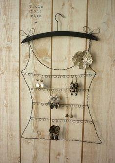 Wire earring rack