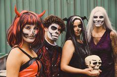 Ga met #Halloween verkleed als vleermuis, duivel, of heks! Met mooie #skull schmink en een pruik is je outfit compleet. Halloween Face Makeup, Outfits, Clothes, Suits, Clothing, Outfit Posts, Outfit