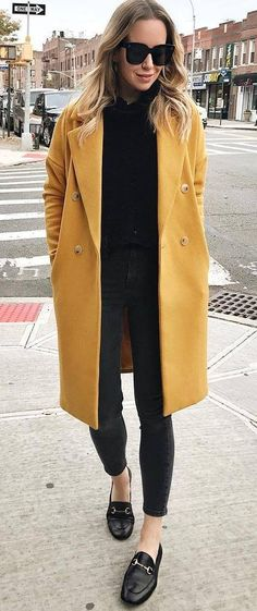 trendy outfit idea | coat + shirt + black skinnies + loafers
