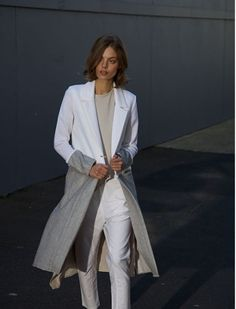 Achieve an effortless fashion with our range of designer clothes, which you can use as travel outfits, work outfits or casual wear. Winter 2017, Fall Winter, Autumn, Casual Wear, Snake, Duster Coat, Normcore, How To Wear, Jackets