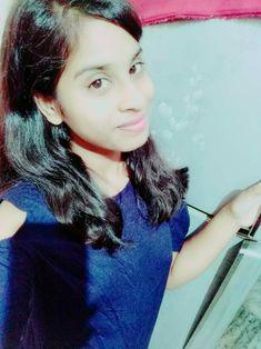 Cute Girl Poses, Cute Girl Photo, Cute Girls, Girl Hiding Face, Girl Face, Stylish Girl Images, Stylish Girl Pic, Beautiful Girl Indian, Beautiful Girl Image