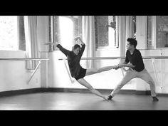 Una pareja bailando en el metro - YouTube