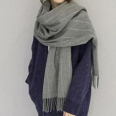 Buy Pompabee Pinstriped Fleece Scarf at YesStyle.com! Quality products at remarkable prices. FREE Worldwide Shipping available!