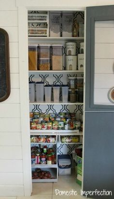Organized pantry tips & tricks