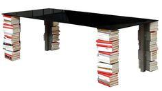 大量の本が脚に収納できるテーブル【Ex-libris】
