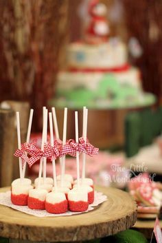 Little Red Riding Hood Birthday Party via Kara's Party Ideas Red Birthday Party, Baby Birthday, First Birthday Parties, First Birthdays, Birthday Ideas, Red Riding Hood Party, Little Red Ridding Hood, Masha And The Bear, Heart Party