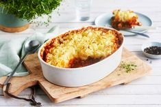 Shepherd's pie med potetmoslokk Macaroni And Cheese, Food And Drink, Beef, Cooking, Ethnic Recipes, Drinks, Meat, Kitchen, Drinking