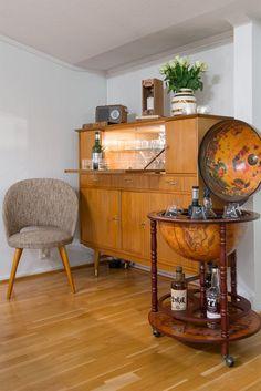 FINN – ALEXANDER KIELLANDS PLASS - Lekker 3(4)-r loftsleilighet med herlig vinterhage, mulighet for peis og 90 kvm gulvareal! Liquor Cabinet, Real Estate, Storage, Furniture, Home Decor, Purse Storage, Homemade Home Decor, Real Estates, Larger