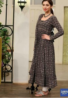 Designer kurti Pakistani Outfits, Indian Outfits, Boho Outfits, Eastern Dresses, Casual Dresses, Fashion Dresses, Dress Neck Designs, Anarkali Dress, Salwar Designs