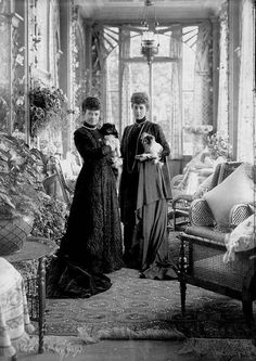 Dowager Empress Maria Feodorovna of Russia and her elder sister Queen Alexandra of the United Kingdom. Minny and Alix