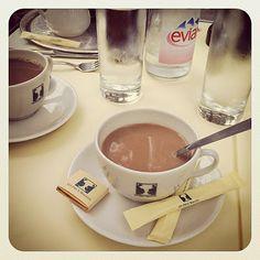 Chocolat chaud, Les deux magots