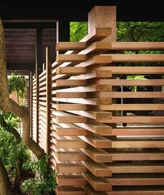 DIY Backyard Fancy Fence Ideas ! #backyard • Some of these DIY fence ideas are really amazing. Check out these projects and plan a fence for your yard! #privacyfence #projects