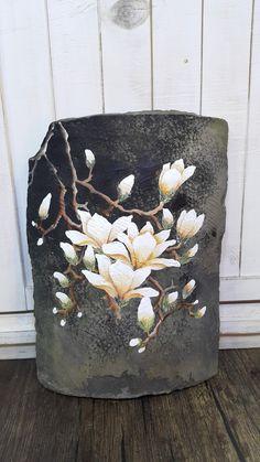 기와에 그린 목련/목련그리기 : 네이버 블로그 Pebble Painting, Stencil Painting, Fabric Painting, Fabric Art, Painting On Wood, Vintage Botanical Prints, Botanical Art, Acrylic Flowers, Watercolor Flowers