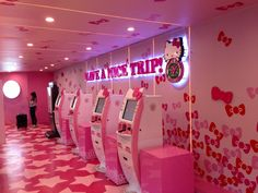 Pin for Later: Hello Kitty Fans, Prepare to Freak Out Over This Plane Thanks to the airline's commitment to the theme, you can check in for your flight using a pink Hello Kitty kiosk. Pink Hello Kitty, Little Kitty, Daily Life Hacks, Original Travel, May Bay, Tourist Information, Freak Out, Happy People, Say Hello