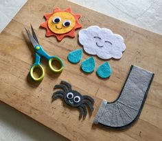 The Itsy Bitsy Spider would be fun for preschoolers to sing and play with. Flannel Board Stories, Felt Board Stories, Felt Stories, Flannel Boards, Book Activities, Toddler Activities, Sequencing Activities, Toddler Crafts, Crafts For Kids