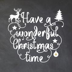 Unieke kerstkaart met krijtbord look op de ondergrond! Met sierlijk krul lettertype, speelse kerst icoontjes en sterren. Verkrijgbaar bij #kaartje2go voor € 1,89