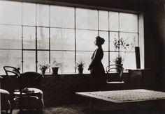 Olga Boznańska w pracowni w domu rodzinnym przy ul. Wolskiej 21 w Krakowie, fot. nieznany, 1908-1913, Muzeum Narodowe w Warszawie // Olga Boznańska in her studio in family house, Kraków, 1908-1913, unknown pgotographer